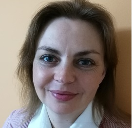 Adela Angheluta, Academia de Vanzari